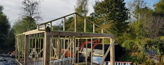 Prachtige Oudhollandse Kapschuur incl. veranda in aanbouw.
