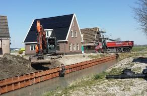 Nieuwe beschoeiing in 't Veld